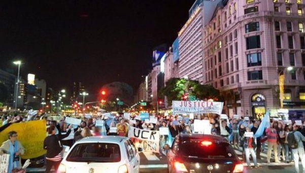 Un centenar de personas se movilizaron por Justicia Independiente