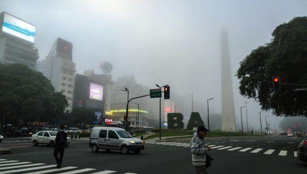 Buenos Aires como Londres: la niebla complica la mañana