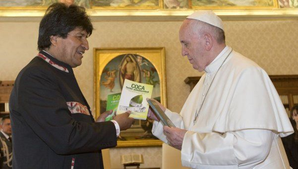 Evo Morales le recomendó al Papa Francisco que tome coca
