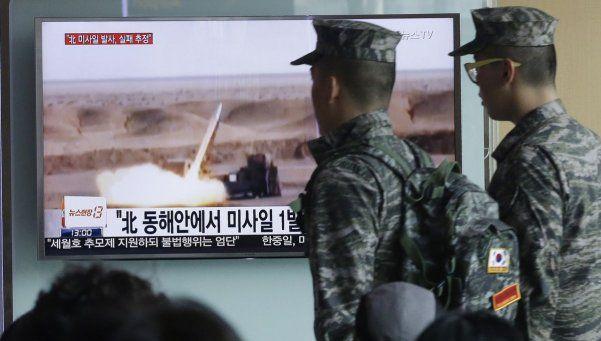 Corea del Norte fracasa en su intento de lanzar un misil de medio alcance