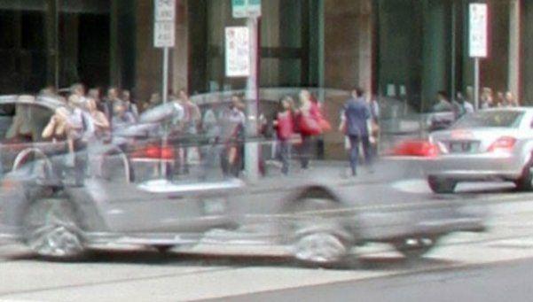 Auto fantasma provoca caos en ruta australiana