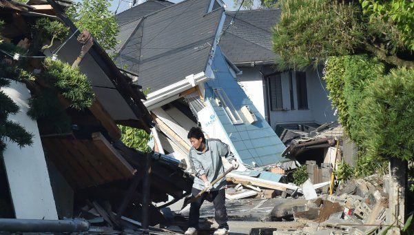 Serie de sismos en Japón deja 41 muertos y decenas de personas