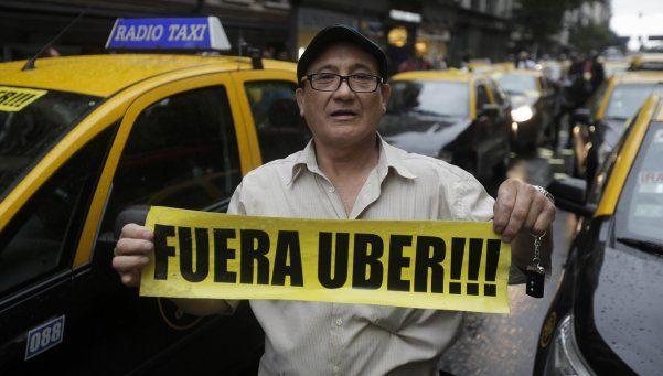 Taxistas protestaron otra vez contra Uber