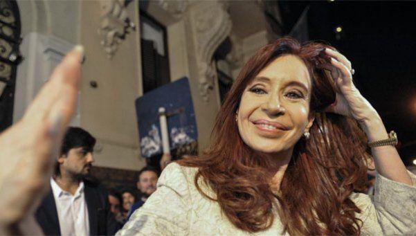 Cristina criticó el doble discurso oficial