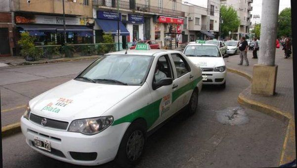 Presentaron en La Plata versión superadora de Uber para taxistas