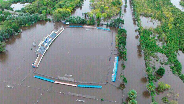 Video | Temporal dejó un estadio bajo el agua en Uruguay