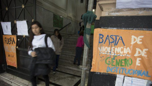 Pellegrini: harán un abrazo por violencia de género