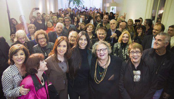 Cristina se reunió con referentes de la cultura en el Instituto Patria