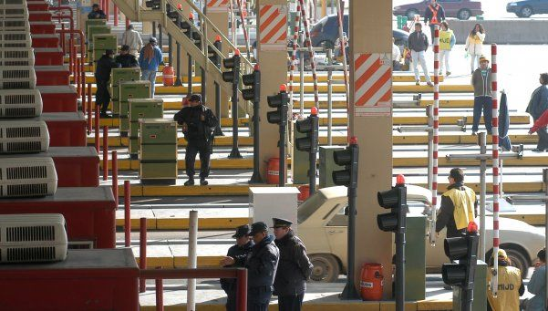 Empleados tercerizados bloquearon por 5 horas el acceso a Ezeiza