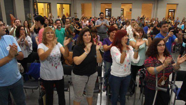 Suteba celebró su 30° aniverasario con un plenario en Avellenada
