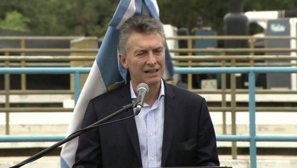 Video | A Macri lo atacó la bandera argentina