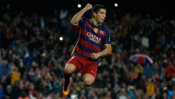 Barcelona se floreó ante el Sporting y se mantuvo en la cima