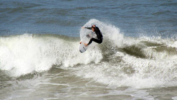 Conocé al nuevo campeón argentino de surf