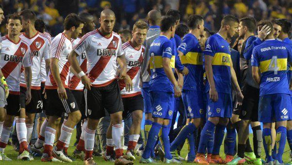 River no aprovechó el jugador de más y Boca aguantó el empate