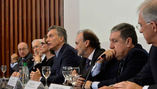 Macri presentó el plan primer empleo para paliar la crisis laboral