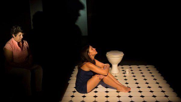 Crítica | Descansa, la nueva obra teatral de Pilar Ruiz: tu cuerpo, tuyo, nada más que tuyo