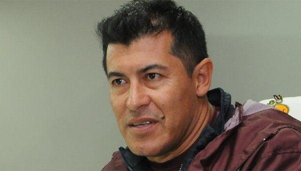 """Almirón: """"Los hinchas sienten que el equipo juega como lo harían ellos"""""""