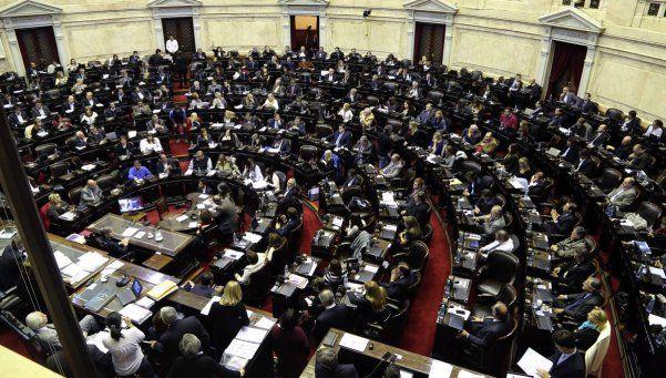 El oficialismo quiere debatir sus proyectos