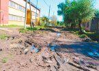 Calles de barro complican las clases en La Matera