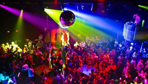 Ordenan cancelar fiestas y cerrar boliches en la Ciudad