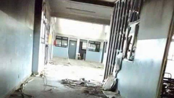 Inician reconstrucción de escuela de Monte Grande que fue robada e incendiada