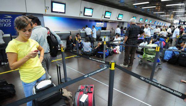 Un paro de ATE pone en peligro los vuelos en todo el país
