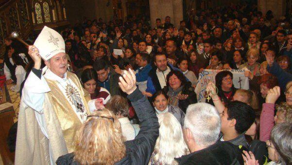 Obispo de Lomas de Zamora rogó que se abran fuentes de trabajo