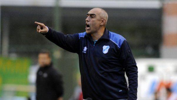 Temperley despidió a Delfino y Palermo se asoma