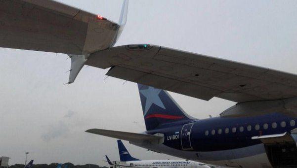 Un avión de Aerolíneas y otro de LAN se rozaron en Aeroparque