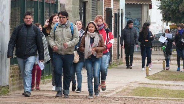 Universitarios realizaron trabajo de campo en Varela