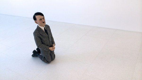 Una estatua de Hitler subastada en casi 18 millones de dólares