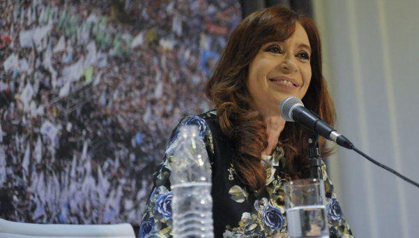 A Cristina Kirchner ahora la denunciaron por cobrar coimas