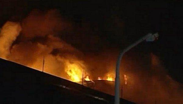Para mí, bien cocido: incendio destruyó fábrica de hamburguesas en Pilar