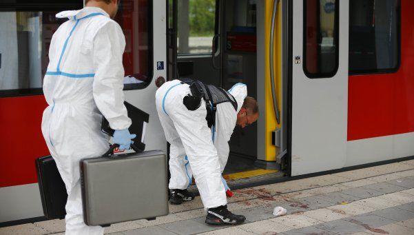Alemania: ataque en un tren provocó un muerto y tres heridos