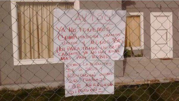 La mujer que se hartó de los robos y dejó un cartel a los ladrones