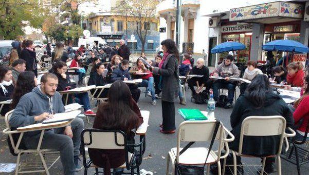 Crisis universitaria: estudiantes tomaron Filosofía y Letras