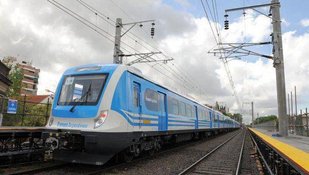 Denuncian que el gobierno no invierte en los trenes
