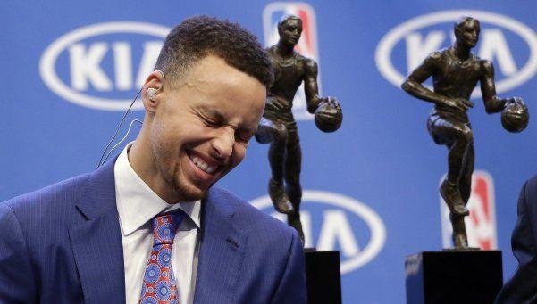La magia de Stephen Curry, el unánime MVP de la NBA