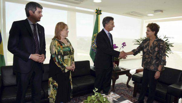 Argentina respetará el proceso institucional en Brasil