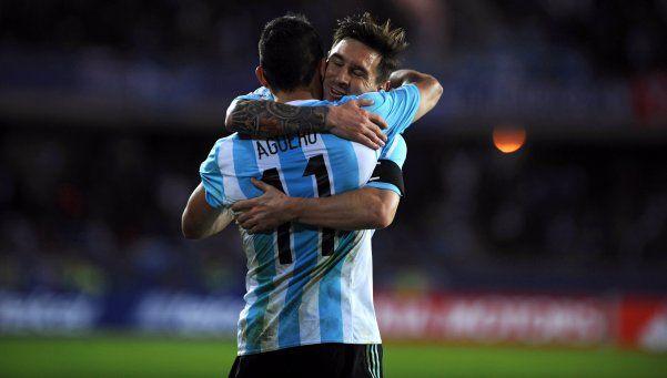 Dos argentinos entre los 10 futbolistas que más ganan según Forbes