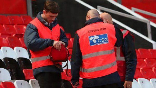 Suspendieron el partido del United por un paquete sospechoso