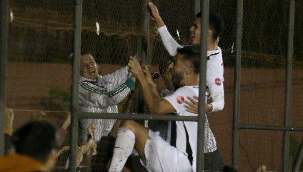 Fútbol sudamericano: Libertad, cerca de la consagración