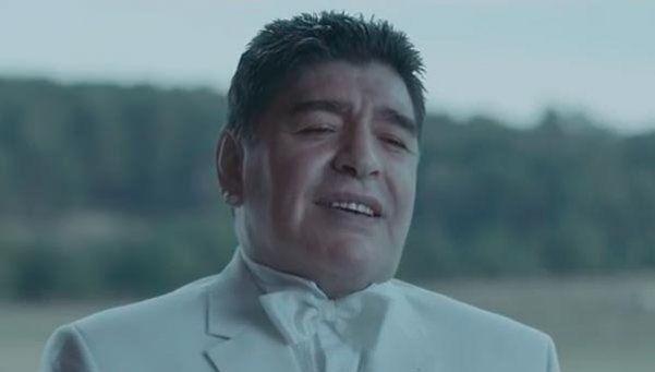Diego, el Dios del fútbol: la costosa publicidad donde actúa el 10