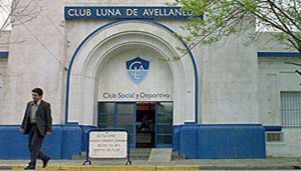 """Robaron y destrozaron el club de """"Luna de Avellaneda"""""""