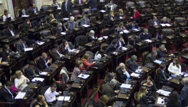 Los 5 dictámenes en discusión sobre la ley antidespidos