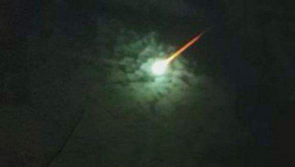 Cayó un meteorito al mar e hizo temblar Pinamar