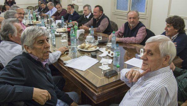 Barrionuevo propuso dejar la CGT con Moyano y Caló