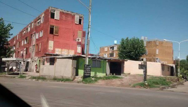 Reclamo de obras en los barrios Gardel y Sarmiento