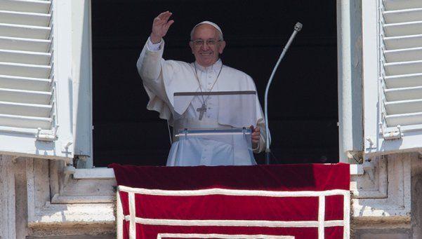 Francisco reclamó a las autoridades políticas salvar a cada humano