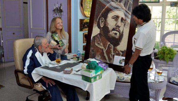 Evo, tras reunirse con Fidel Castro: Está viejito pero sigue lúcido